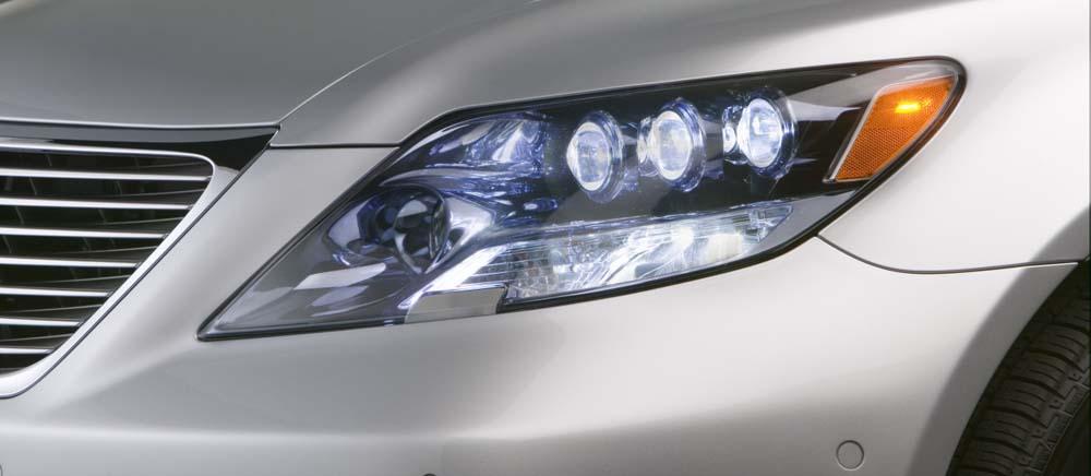 Automatyczne i adaptacyjne światła w samochodach – czym się różnią?